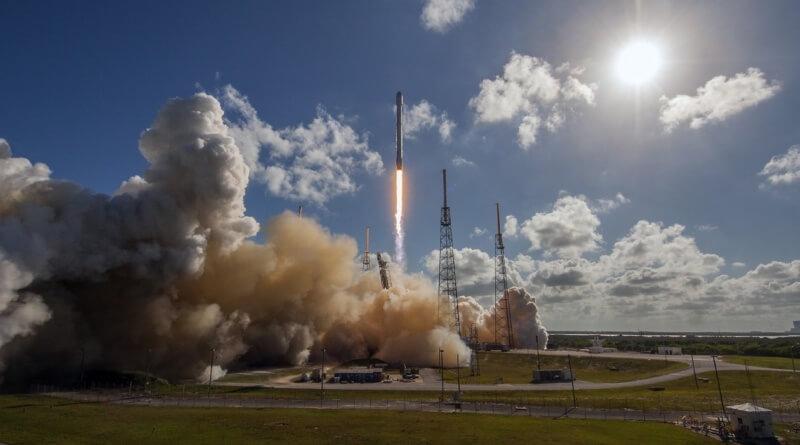Sempre é bacana ver um foguete da SpaceX aterrissar em uma barca